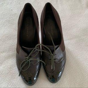 Ellen Tracy Brown Laced dress shoe